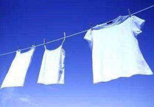 衣服去皱最简单的方法 怎么晾衣服才不容易皱