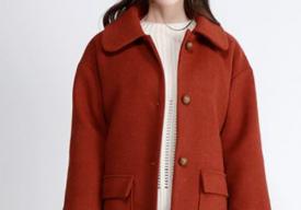 砖红色衣服配什么颜色裤子 砖红色大衣搭配什么颜色围巾
