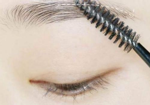 眉毛刮掉重新长要多久 逆着眉毛生长的方向刮对吗?