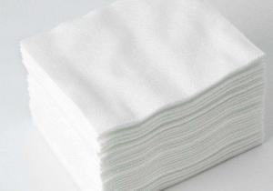 洗脸巾为什会有味道 一次性洗脸巾沾水后有味道是怎么回事