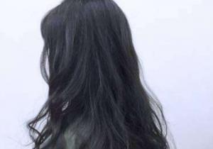 黄皮适合染蓝色头发吗 染黑色头发好看吗