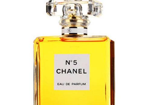 香水可以喷在头发上吗 香水喷手腕内侧还是外侧
