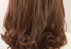 深棕色發型有哪些 和淺棕色的區別
