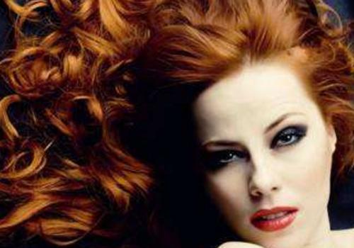 【美天棋牌】染发和烫发可以一起做吗 间隔多久做