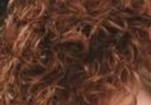 【美天棋牌】什么是烟花烫 会伤害头发吗