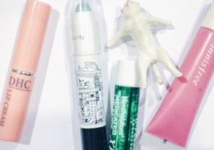 護唇膏能用于眼部打底嗎 護唇膏涂在眼下好嗎