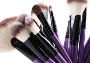 化妆刷能用洗洁精洗吗 ?化妆刷洗刷工具有哪些