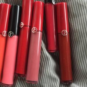 阿玛尼锦鲤色口红试色 红管唇釉500和黑管唇釉500哪个好看