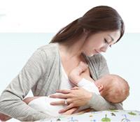 宝宝吃饱的表现 看看宝宝的满足感和吃奶时间