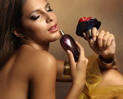 香水选购技巧 闻香选香水重质不重量