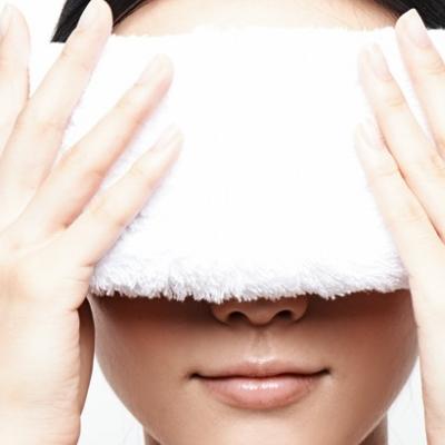 热毛巾敷眼睛多长时间 时间太长会怎样