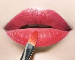 润唇膏多用的副作用 一天多少次合适