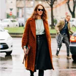 焦糖色是冷色還是暖色 ?焦糖色大衣怎么搭配