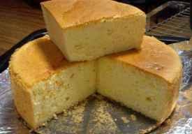 戚风蛋糕不蓬松的原因 戚风蛋糕为什么会开裂