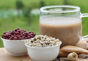 喝红豆薏米粥能放多少冰糖? 放冰糖的红豆薏米可以隔夜吃吗