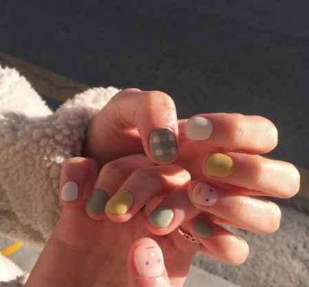 一组适合短指甲女生的美甲图案