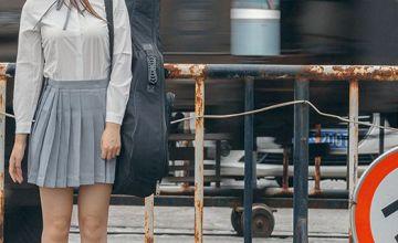 藏蓝色半身裙搭配图片 穿出高级感才加分