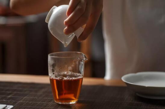 【美天棋牌】中秋送礼为什么喜欢送茶