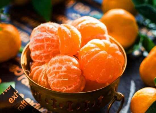 【美天棋牌】橘子皮去油洗发水的制作方法步骤