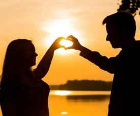 女人暗示喜欢你的表现 女孩故意吸引你的表现