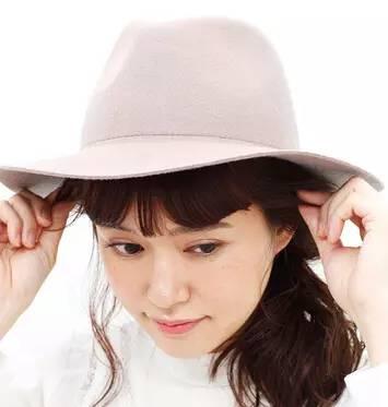 """适合戴帽子的发型 要美""""帽""""无敌,你需要这样的发型"""