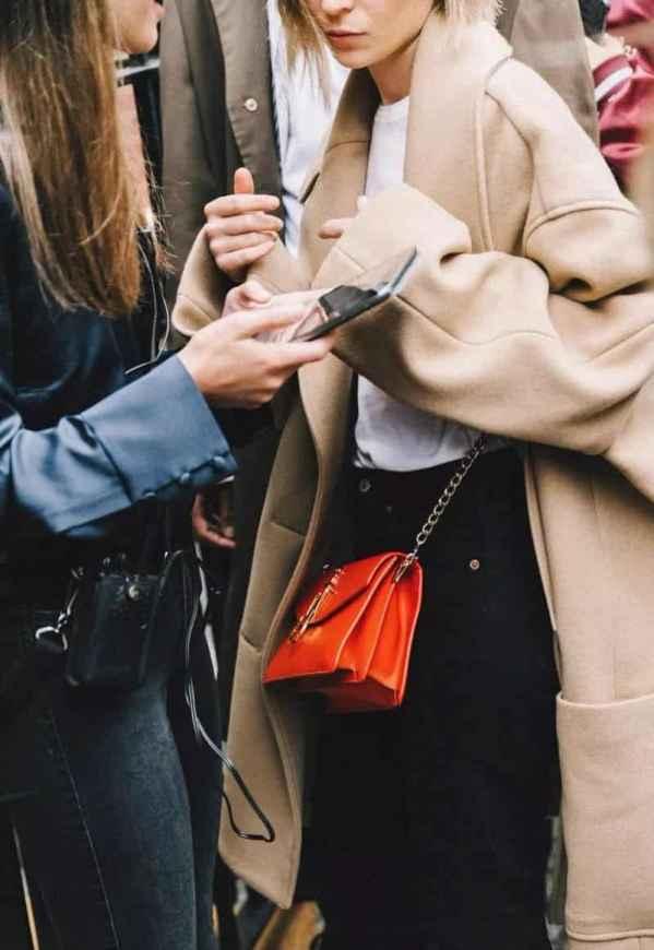 穿大衣搭配什么包包