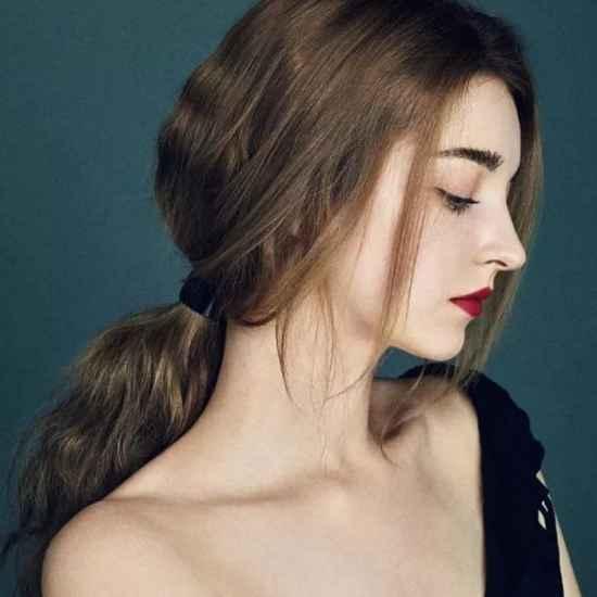 时尚卷发短发发型减龄 卷发怎么弄才不显老