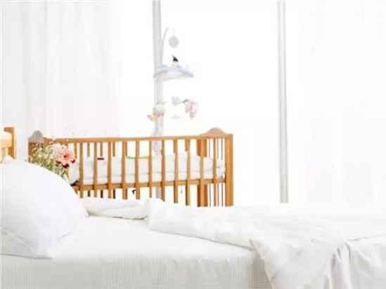 宝宝夜里总醒怎么回事 宝宝夜醒的原因分析