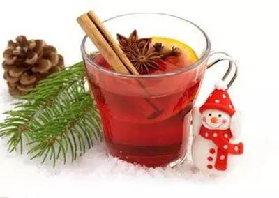 泡红茶能不能放些蜜枣?就是特别甜的那种蜜枣。红茶是滇红。