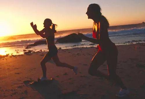 如何正确跑步减肥 长时间次数较少的跑步  如何正确跑步减肥