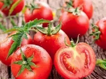 西红柿减肥吃法 怎么吃西红柿减肥效果好  西红柿怎么做减肥餐