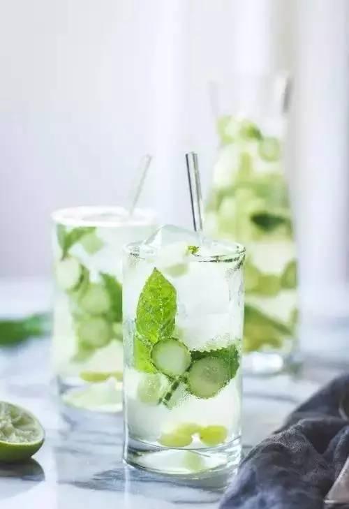 减肥饮品的制作方法 几款减肥饮品的做法  覆盆莓葡萄柚排毒水