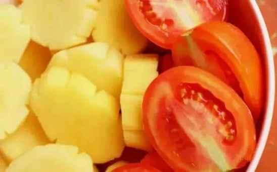 土豆番茄汤的功效 西红柿和它搭配吃功效好