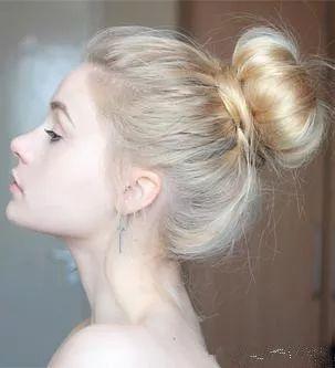 简单扎发教程图解 头发这样扎简单又漂亮