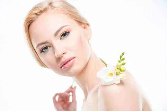 乳霜和乳液的区别 先用眼霜还是先用乳液