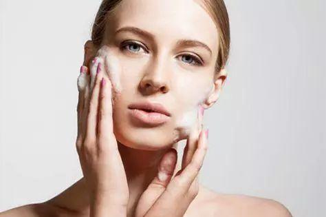 怎么洗脸对皮肤好 洗脸小知识