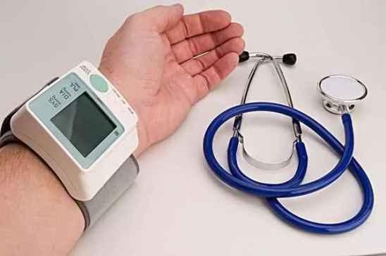 芹菜可以降血压,祛风利湿对脑血栓患者好处多