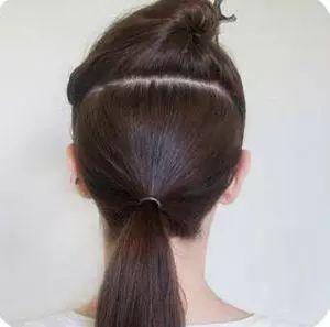 直发花苞头扎法图解 直发花苞头扎法 直发花苞头扎法步骤图解