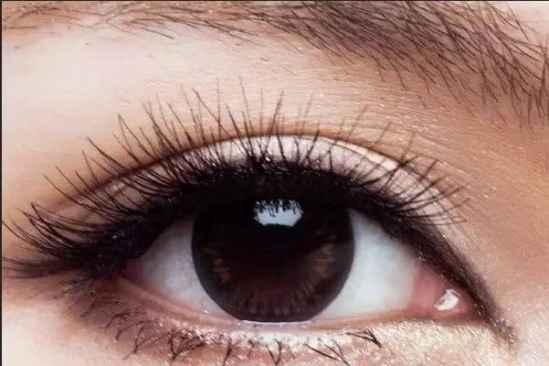 化妆技巧图解   化妆术学好了效果堪比微整容哦  仿缝双眼皮手术