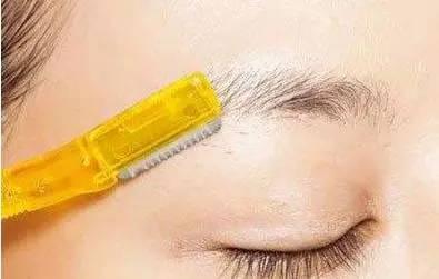 怎么修眉毛 想要画出好看的眉形首先要这么做