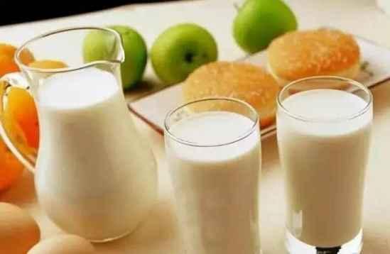 牛奶的生活中的用途 用点牛奶就能美白祛斑保湿