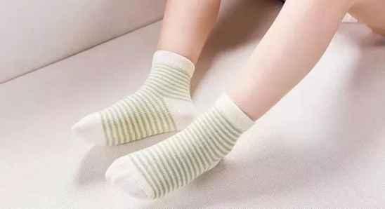 冬季脚部开裂怎么治疗 几个家用秘方治疗脚部开裂