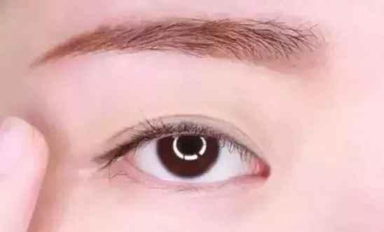 浅棕色系眼妆怎么画 四款简单淡妆化妆教程,还不会