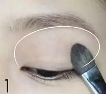 眼妆的画法步骤图解 多款眼妆的画法详解