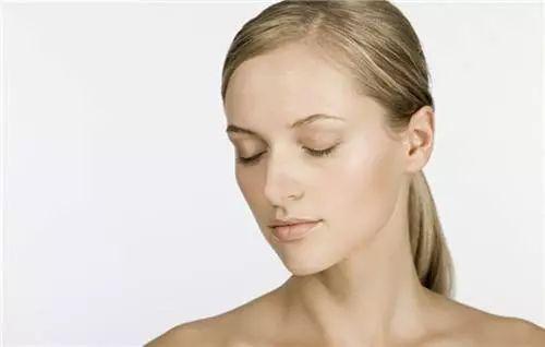 排毒祛痘的好方法 脸上几种状况告诉你要排毒了 !