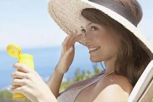 皮肤保养的基本步骤 每天坚持这7个不花钱的护肤技巧,让你重返18岁!