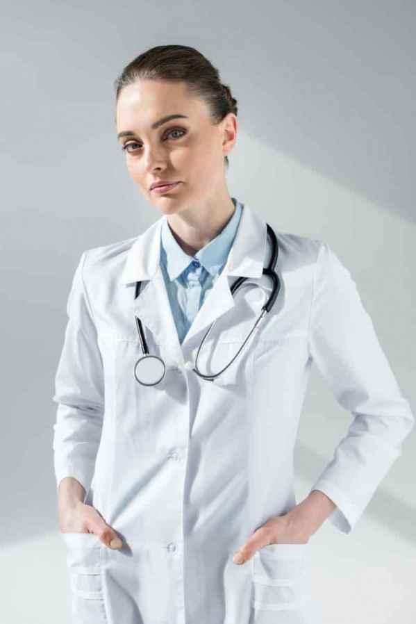 "<span style=""white-space:normal;"">那么多色彩缤纷的围巾你更喜欢哪一条呢?Pandora Sykes的搭配带你寻找围巾搭配的新体验。</span>"