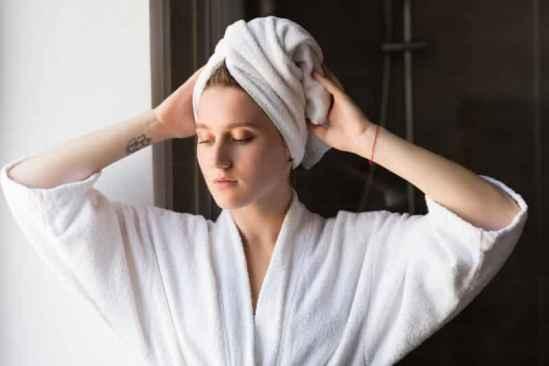 冬季敏感肌肤如何补水 肌肤保养靠细心