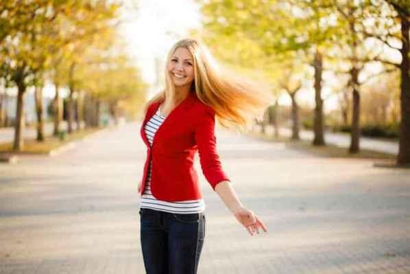 女式短款毛衣|女式长款毛衣韩版才甜美 搭配毛线帽温暖又好凹造型