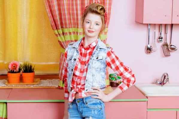 小宋佳2015春季時尚街拍 簡約服飾潮搭顯帥氣